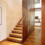 escalera un tramo de madera
