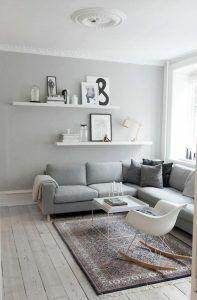 living pequeño en gris y blanco
