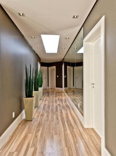 espejos e iluminacion para ampliar pasillos