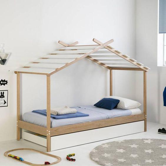 Cama estilo montessori para niños minimalista