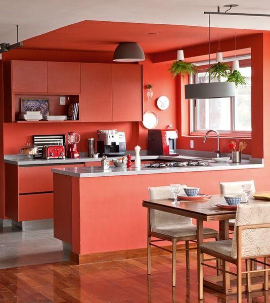 Cocina roja mate moderna