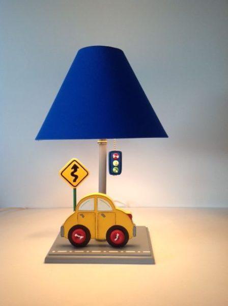 Lampara infantil para mesa de luz auto