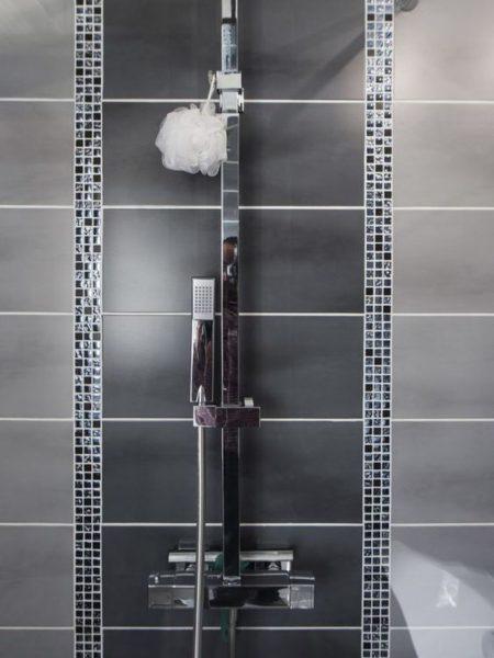 combinacion de azulejos en la ducha