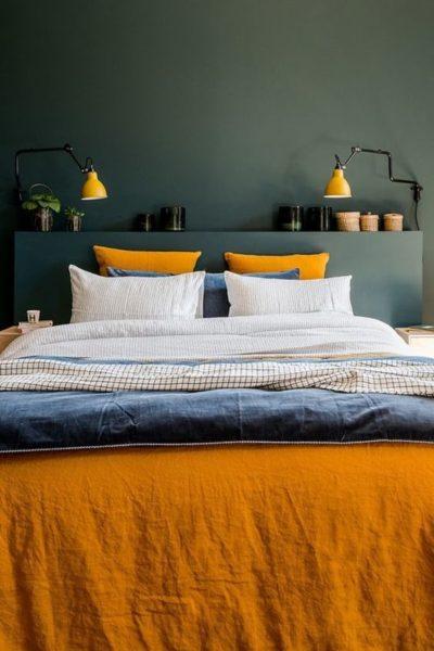 dormitorio moderno Verde oscuro y amarillo mostaza