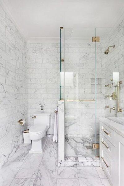 baño con decoracion estilo italiano moderno
