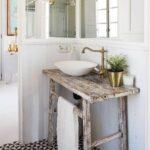 baño con decoracion vintage