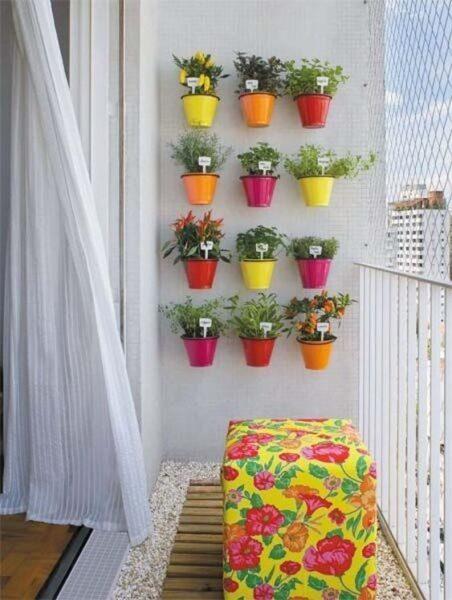 decoracion de balcones con jardineras