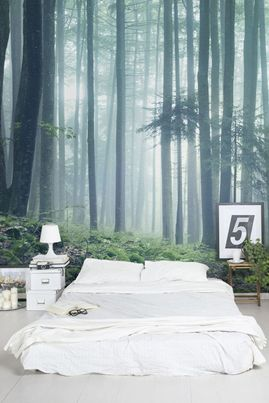 dormitorio con gigantografia de bosque