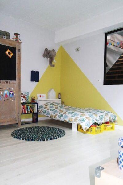 pared amarillo claro
