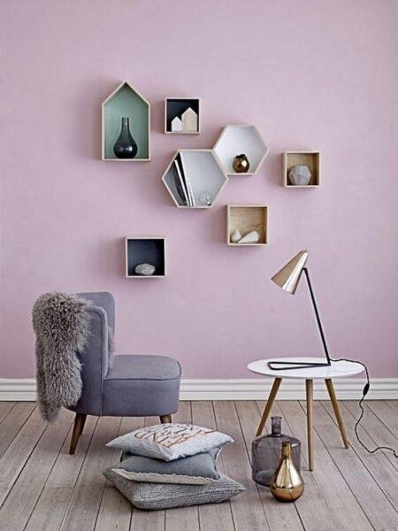 pared lila sala de estar