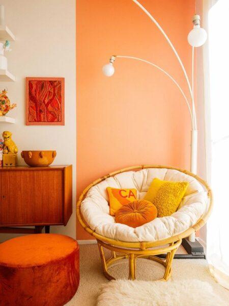 pared living naranja