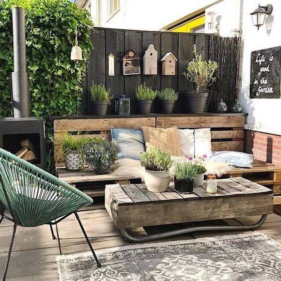 patio pequeño rustico