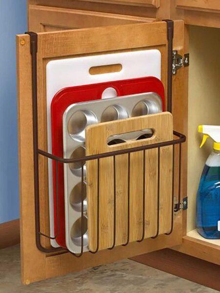 almacenamiento en interior pueta de mueble cocina