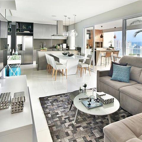 Cocina comedor sala de estar integrado a lo largo