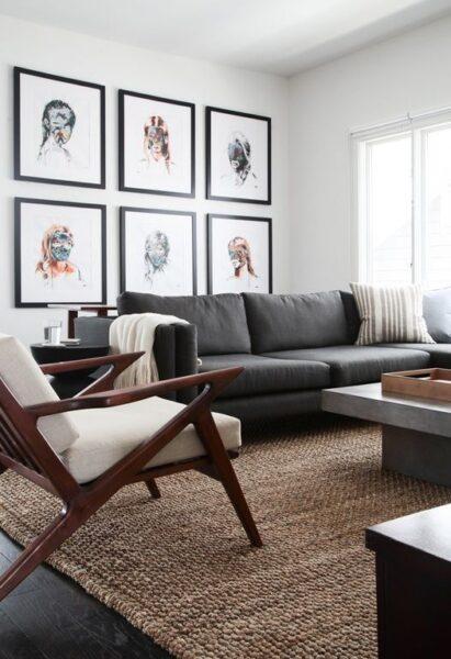 Living piso gris oscuro y alfombra rafia