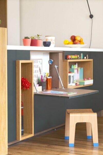 Mesa escritorio plegable empotrada para niños