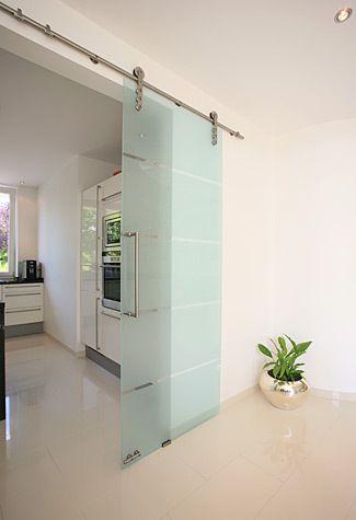 Puerta estilo granero de vidrio entero