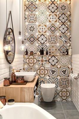 baño con ceramica multicolor estampada
