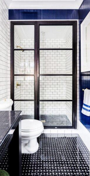 baño con piso de vinilo en rollo