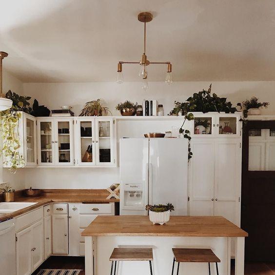 cocina blanca moderna de pino