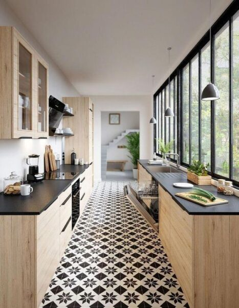 cocina moderna con piso vinilico en blanco y negro