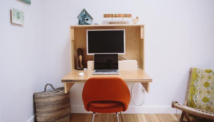 diseños simples de escritorios rebatibles con computadora