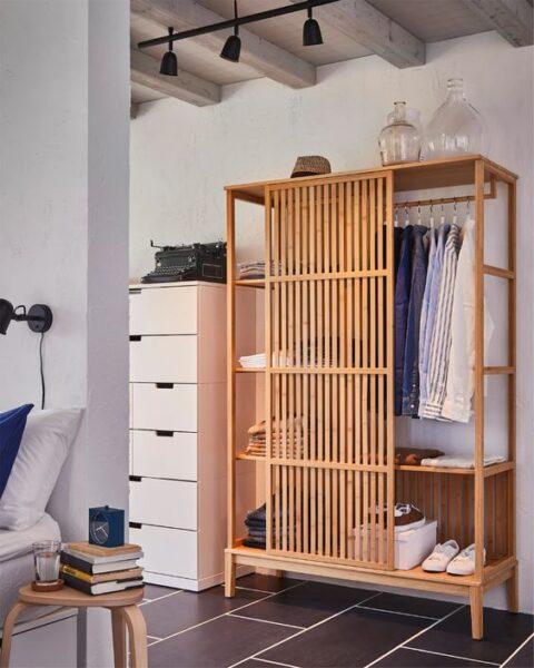 estanterias con madera de bambu