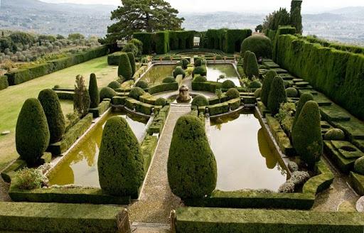 grandes jardines simetricos