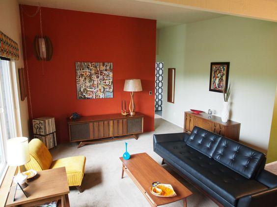 pared de acento roja para sala de estar