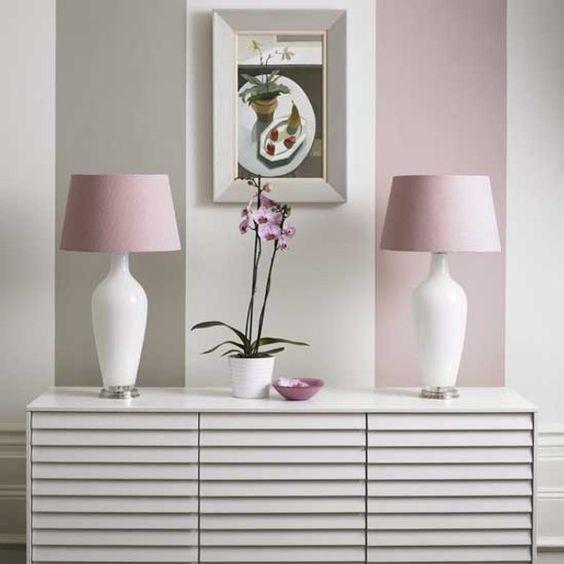 pared pintadas a rayas anchas tonos pasteles claros