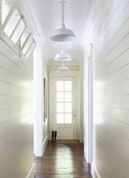 pasillo moderno rustico blanco