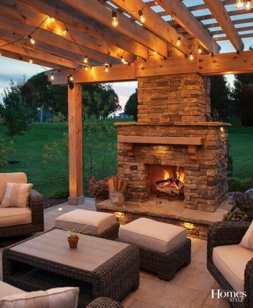 patio con hogar a leña