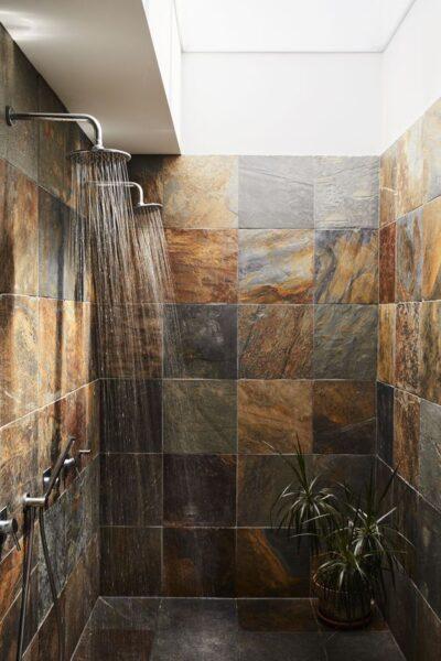 revestimiento de piedra para interior de baño
