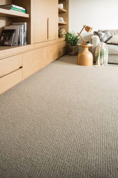 sala de estar con alfombra moquette