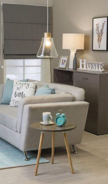 sala de estar gris y turquesa
