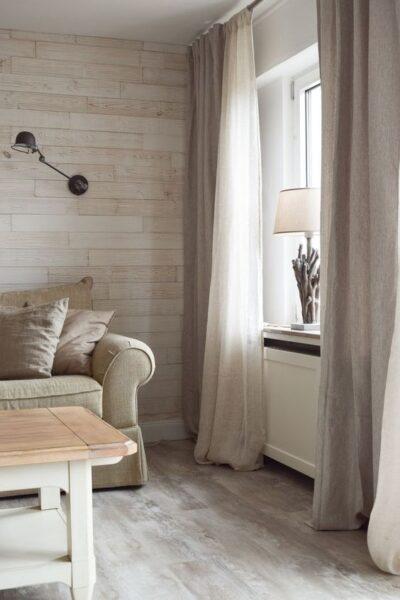 sala de estar moderna con cortinas de lino estilo clasico