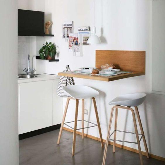 desayunador de madera pequeño y simple