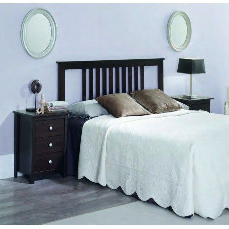 mesa de noche y cama de madera de wengué