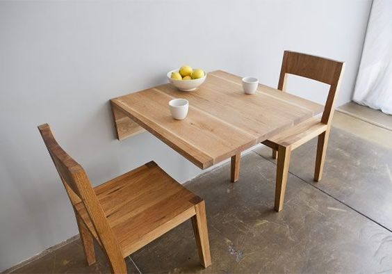 mesa para desayunar de madera simple