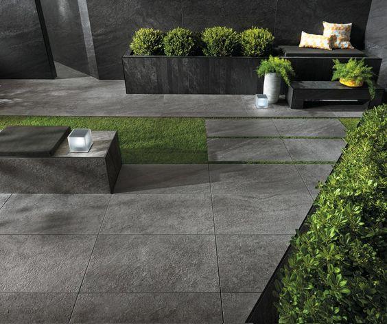 Piso de porcelanato gres efecto piedra para patio exterior