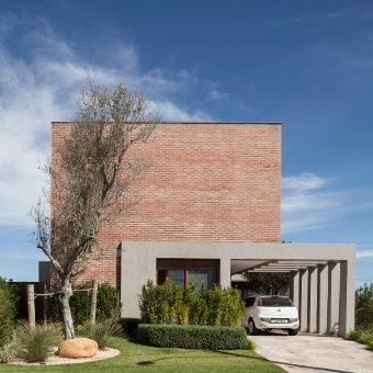fachadas minimalistas de ladrillo visto