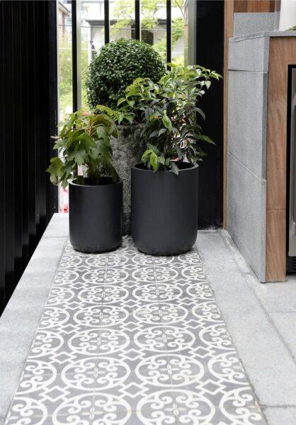 piso calcareo para exterior moderno