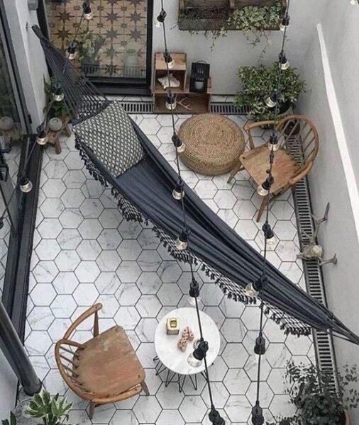 terraza moderna con pisos hexagonales